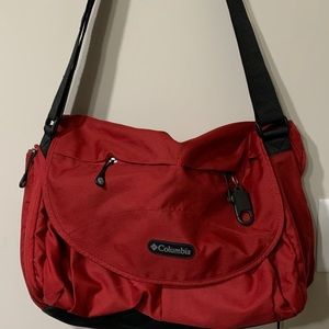 Columbia Cross Bag